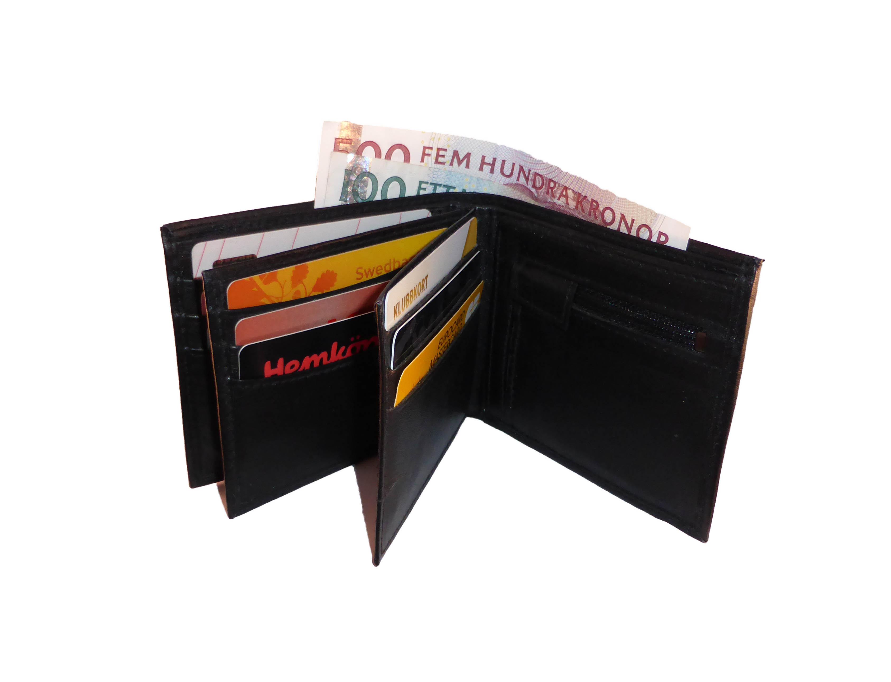 plånbok med många fack för kort