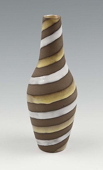 Vardus Art Antiques Spiral Vase No 2048