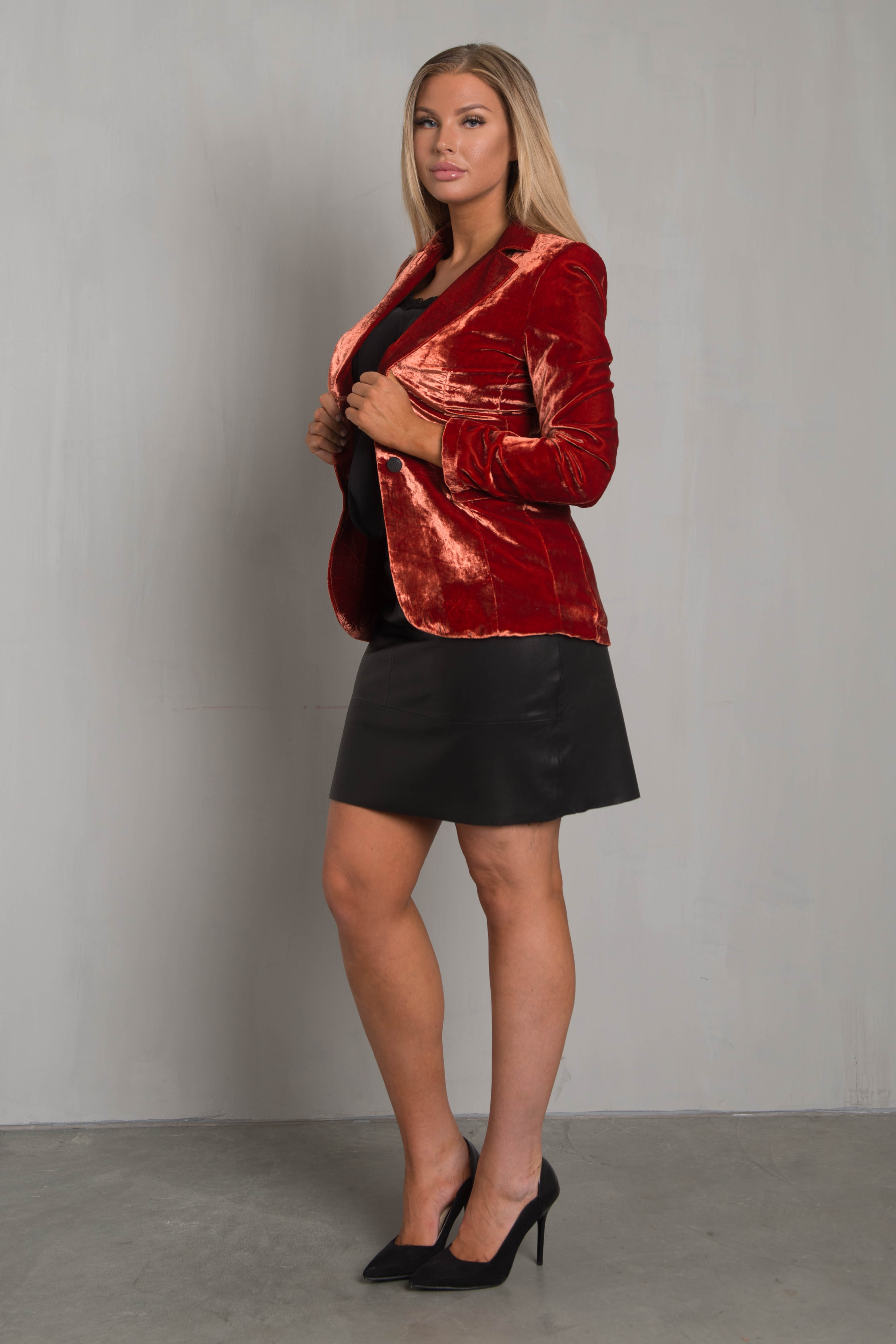 Marley - Velvet Jacket Red