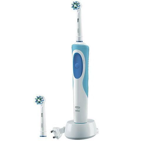 Elektrisk Tandborste Oral-B CrossAction Plus Vitality Blå Vit bba6857660cd6