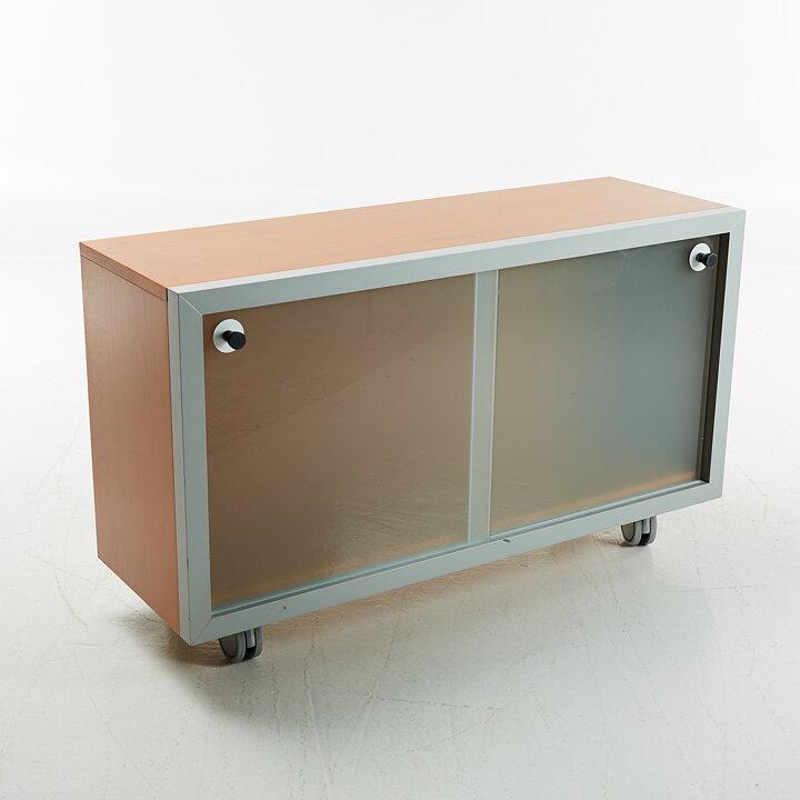 schr nke inno in tainer jouni leino gebraucht ist das neue. Black Bedroom Furniture Sets. Home Design Ideas