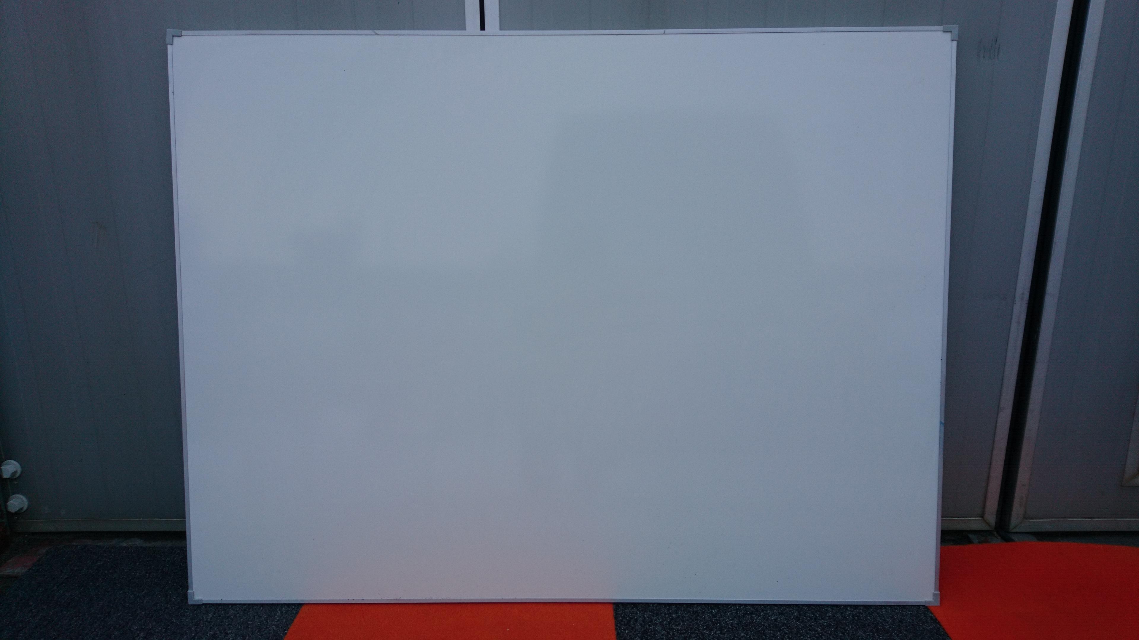 magnetisches whiteboard 120 x 90 cm gebraucht ist das neue. Black Bedroom Furniture Sets. Home Design Ideas