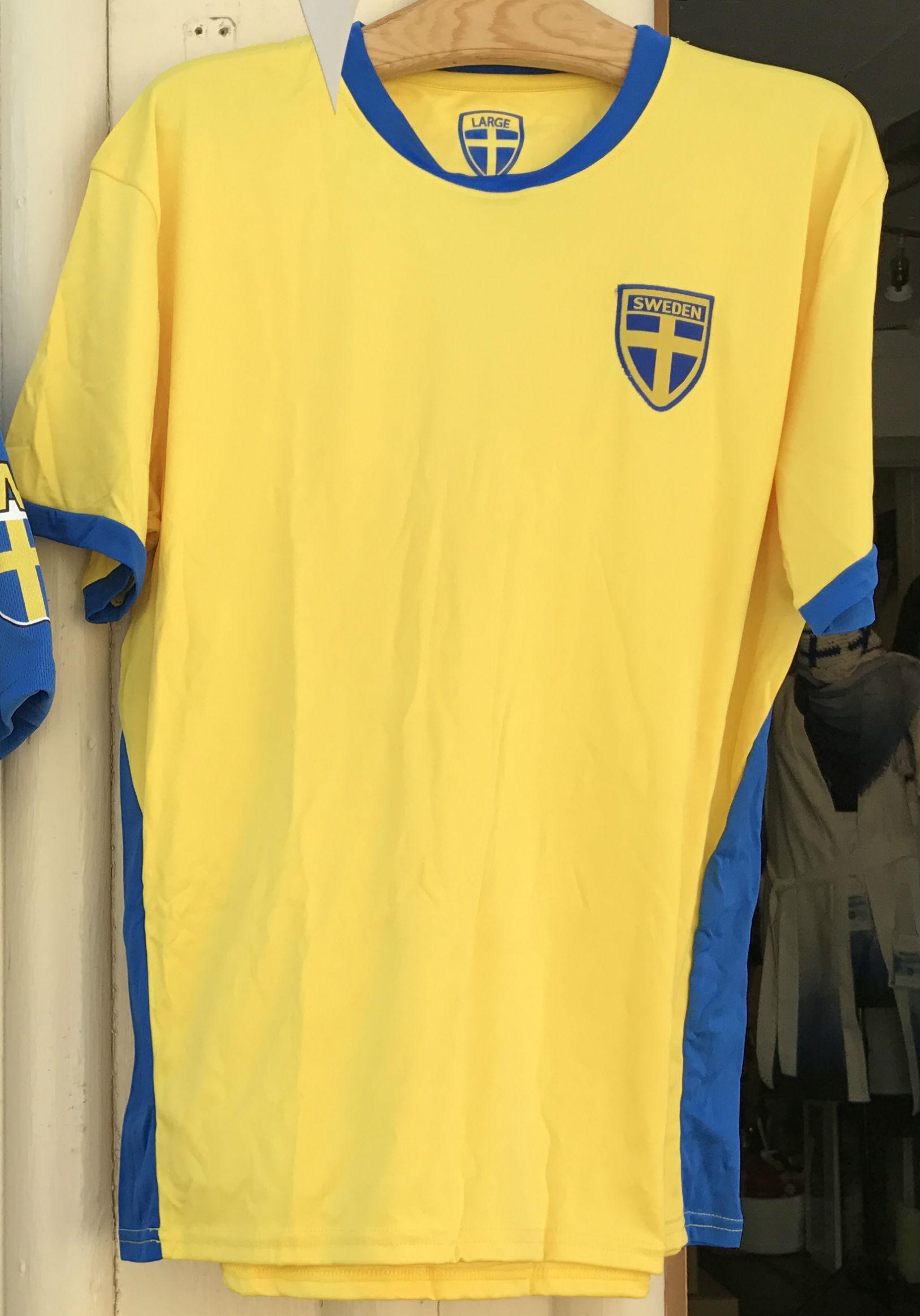 a1bbe2e00dbf Fotbolls tröja Sverige Vuxen - Sverigedräkter