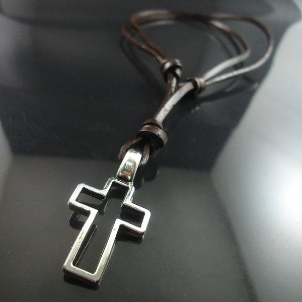 Smycken - Fint och Billigt - Mode Kors Halsband med Justerbar Läder ... 06f27aa1485ca