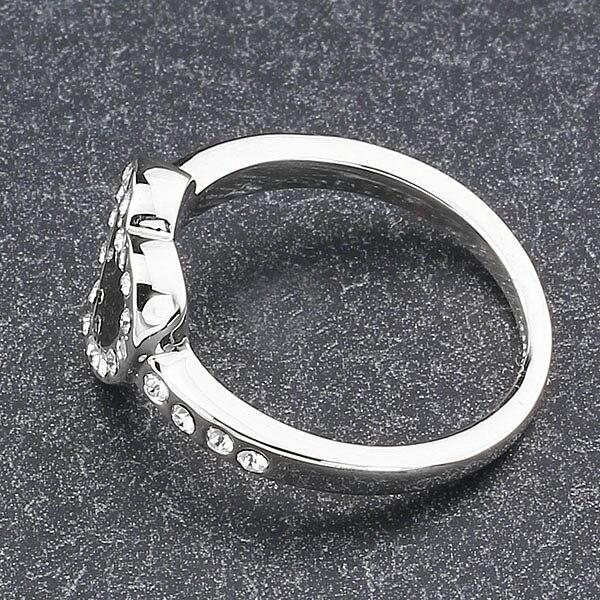 Smycken - Fint och Billigt -  Black Heart  Charmig Ring med Cubic ... 5f1bf46cb4526
