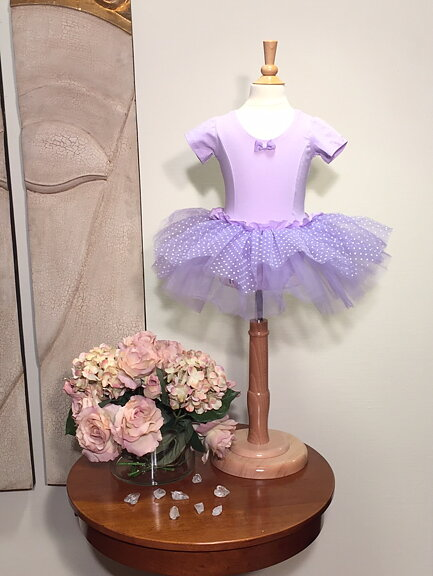 Lila Balettklänning - prinsessklanningar.se a5c4e9496c730