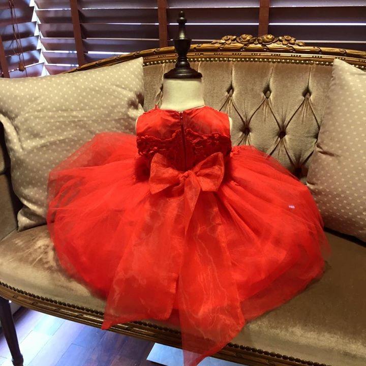 c58c429973e8 Röd tyllklänning med broderat liv Baby - 3. Next. Previous