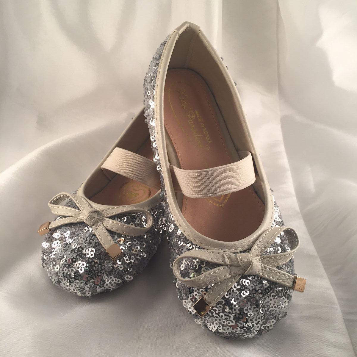 d287652cce3 Silver ballerina med paljetter för barn - prinsessklanningar.se