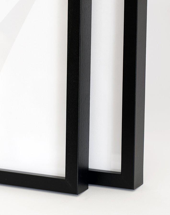 Buy frames online - Black wood frame, 30x40 cm - Insplendor